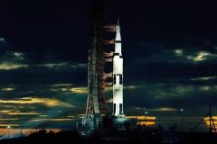 Un razzo alto 36 piani