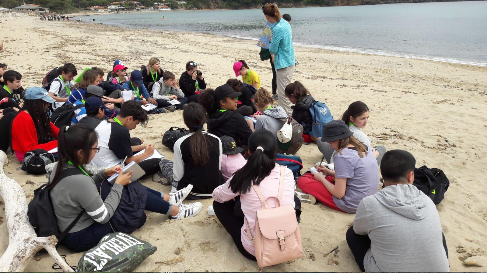 Attività didattica delle classi 2C e 2D, tra le dune di Lacona