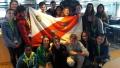 """La classe 2 C  sfoggia la bandiera dell'Elba, che le è stata assegnata, quale vincitrice del Torneo """"Elba 2019"""""""